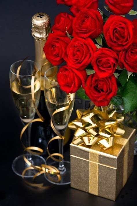 red roses golden gift   champagnejpg