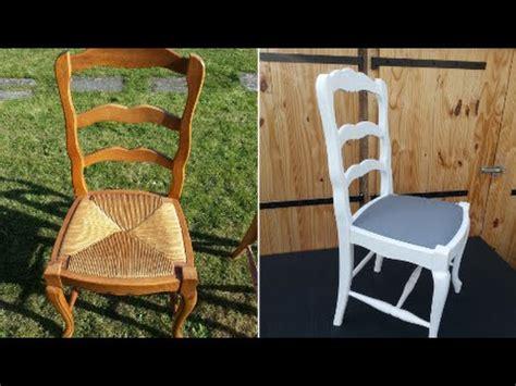 chaise blanc et bois moderniser une chaise de type louis xv en chêne et paille