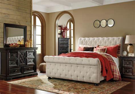 willenburg queen upholstered bed
