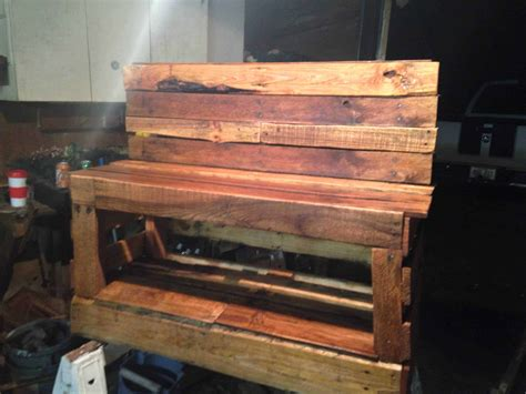 pallet shoe changing storage bench  pallets