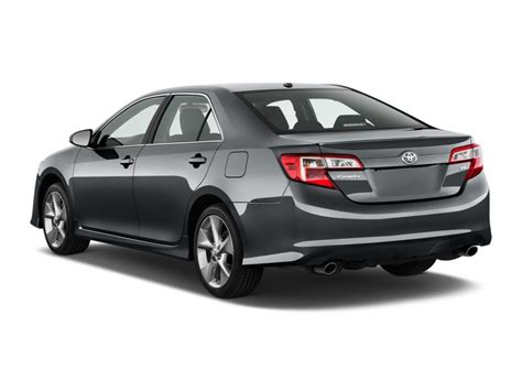 image  toyota camry  door sedan  auto se natl angular rear exterior view size