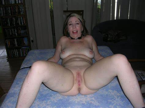 Spreading Puss Pictures Archive Of Moms Ecstasy