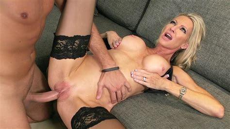 Emma Starr Having Missionary Sex Pornstar Movies
