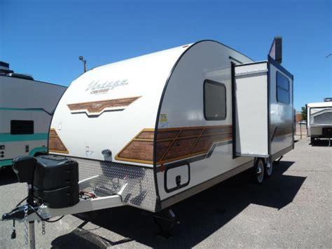 the kitchen sink trailer 2018 gulfstream vintage cruiser 23 bhs travel trailer 6080