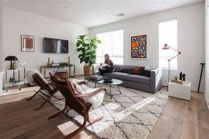 Decor Tips: Rugs that go hand in hand with a grey sofa