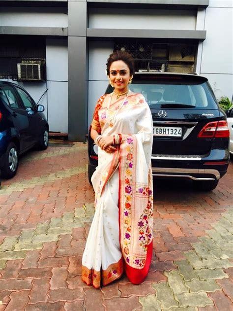 amruta khanvilkar indian wedding outfits maharashtrian