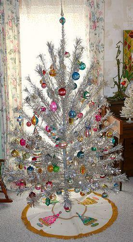 christmas tinsel trees images  pinterest vintage holiday retro christmas
