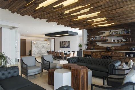 plafond bois 224 led et meubles massifs l appartement design