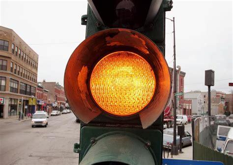 chicago light ticket chicago shortens yellow lights ticket standard makes 8