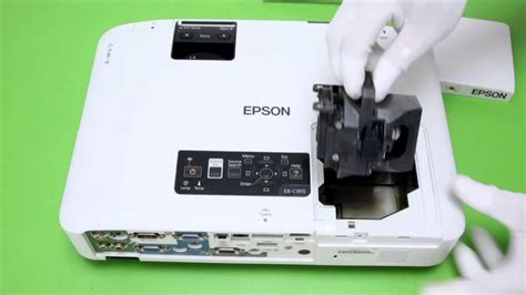 how to replace the projector l for epson h313e