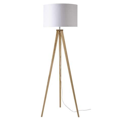 lampadaire trepied en bois  coton blanc   cm karlsen maisons du monde