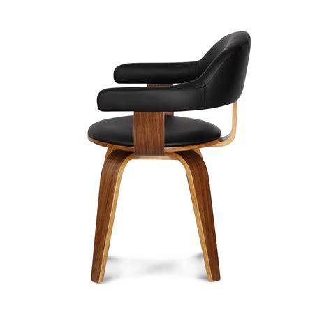 chaise en cuir chaise design suédoise simili cuir noir et bois massif walnut