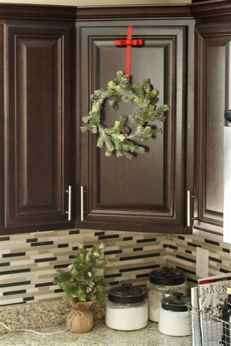 christmas kitchen  christmas wreaths  hot cocoa