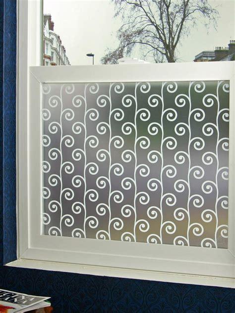 Bathroom Window Privacy Ideas by Best 25 Bathroom Window Coverings Ideas On