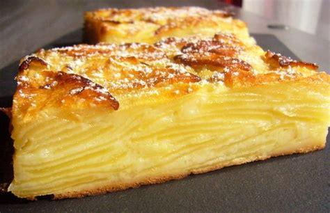 cuisiner rhubarbe gâteau invisible aux pommes par rêves de pâtissière