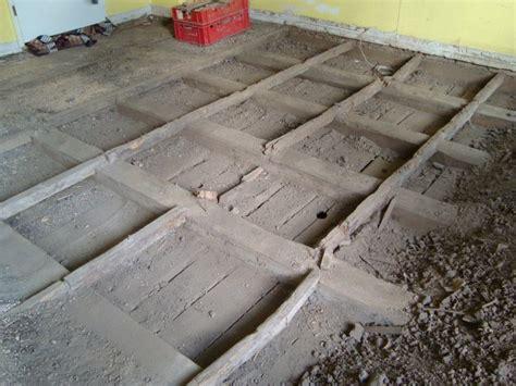 Altbau Fußboden Sanieren by Decken Renovieren Wohnzimmerdecke Renovieren Spanndecken