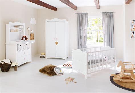 chambre bébé pinolino chambre bébé complète florentina avec commode étagère