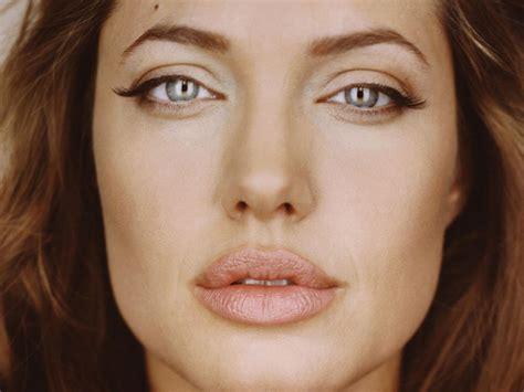 foto de How to Get Fuller Lips Like Angelina Jolie