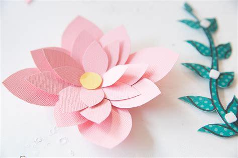vorlagen blumen basteln diy geschenk mit papier blumen kreativ verpacken diy tutorial