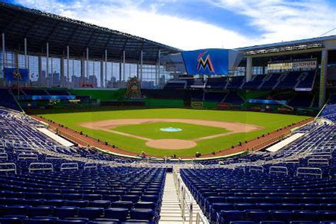 eat  marlins park eater miami