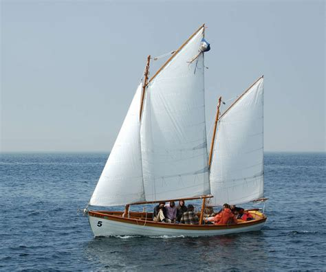 Small Boat Sailing by Free Wooden Boat Plans Runabout Woodworking Projects