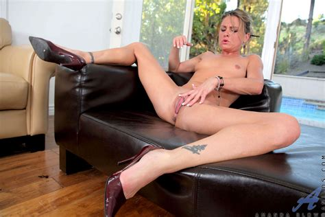 Anilos Mature Naked Milf Shows Off Her Tight Ass While