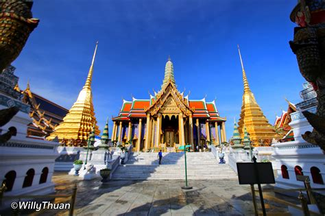 cuisine restaurants grand palace and wat phra kaew undercover