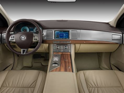 2010 Jaguar Xf 4-door Sedan Luxury Dashboard, Size