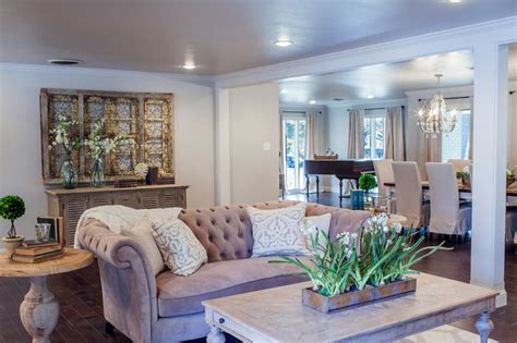 Fixer Upper Open Floor Plan Connects Living And Dining