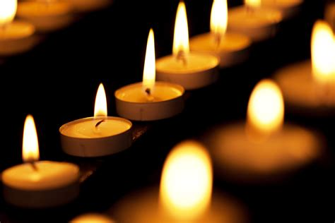 candele on line burning candles in church free stock photo domain
