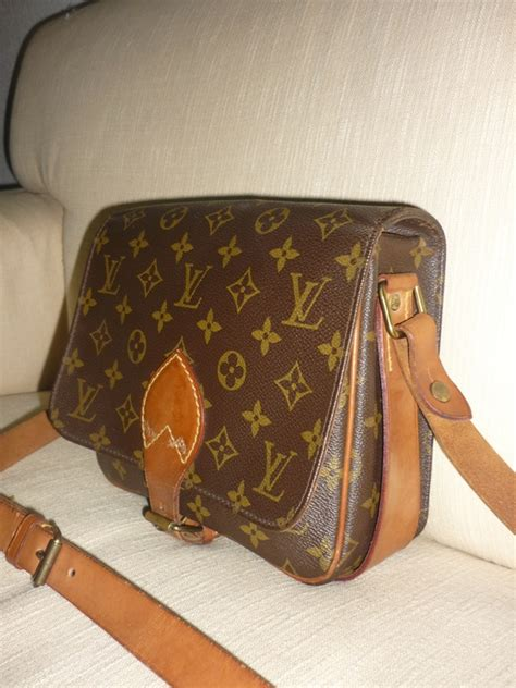 yus branded bag louis vuitton sling bag