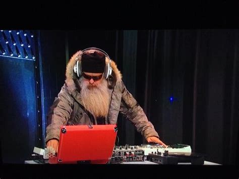Eminem Saturday Night Live: Who Was The Bearded DJ During