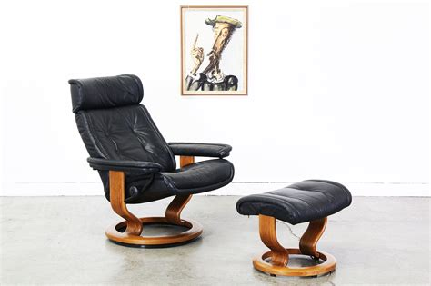 ekornes stressless black leather reclining chair w