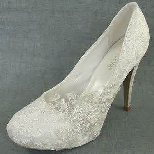 ivory lace wedding shoes different styles of wedding shoes the wedding shoes magazine