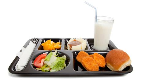 vegetables hit school lunch trays but most kids don t