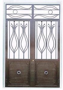 Porte en fer forge clementine porte en fer forge style for De couleur peinture 5 portail fer forge style classique cadre chapeau de
