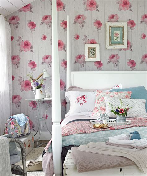 Bedroom Decorating Ideas For A Small Room by Small Bedroom Ideas Small Bedroom Design Ideas How To