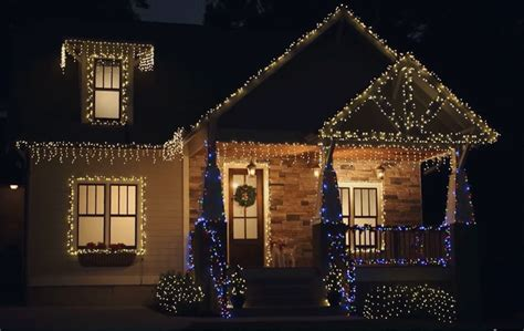 hanging christmas lights on windows outside tips for hanging outdoor christmas lights