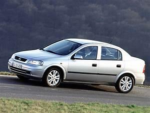 Opel Astra 2001 : opel astra sedan 1998 1999 2000 2001 2002 2003 2004 autoevolution ~ Gottalentnigeria.com Avis de Voitures