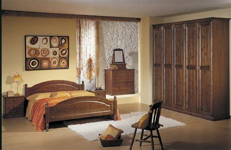 mobili in legno di pino matrimoniale in legno di pino con io armadio