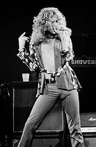 Robert Plant's Feminine Photos & Famous Bulge | FeelNumb.com