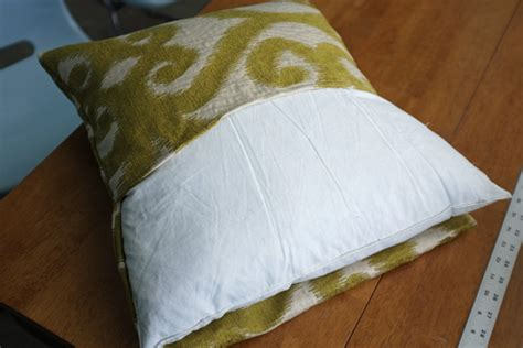 envelope pillow cover envelope pillow cover tutorial school of decorating by