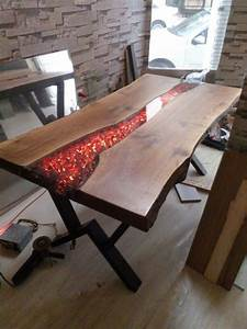 Resine Epoxy Pour Table : pin by steve on projects to try wood table resin furniture furniture ~ Farleysfitness.com Idées de Décoration