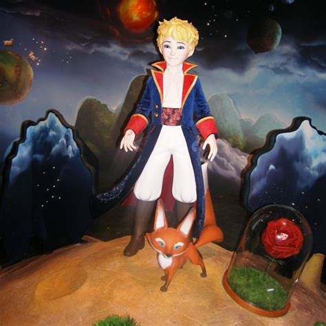 le petit prince au bureau grévin le petit prince s 39 invite au musée magicmaman com