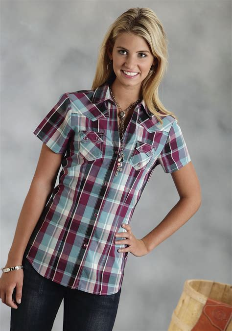 roper womens wine plaid short sleeve snap western shirt