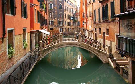 Water Street In Venice Italy Widescreen Wallpaper Wide