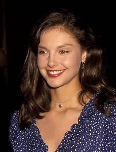"""Ashley Judd gets offended by a """"Sexist"""""""