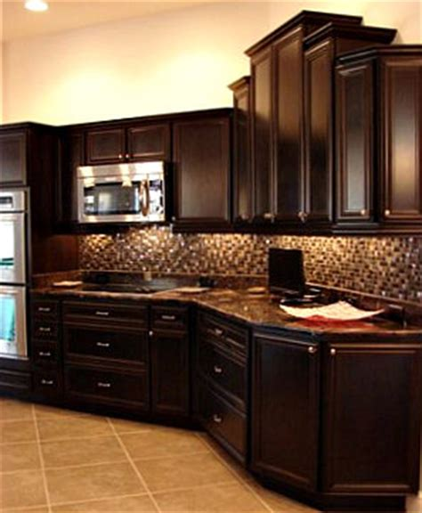 chocolate color kitchen cabinets kitchen cabinet colors 5403