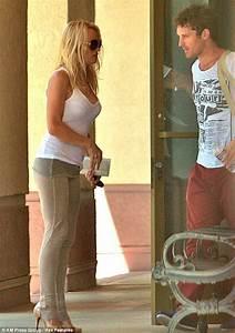 Pamela Anderson Sparks Fresh Romance Rumours As She Again