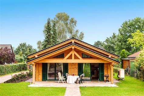 Holzhaus Bungalow Modern by Holzhaus D 246 Beritzer Heide